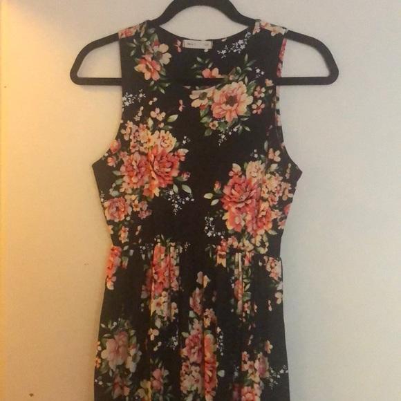 154039883 Reb  J. 220 Dresses